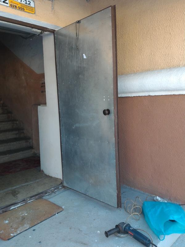 Вскрытие двери эвакуационного выхода