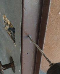 Врезка кодового замка в новое место на входной двери