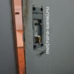 Замена личинки замка на тамбурной двери